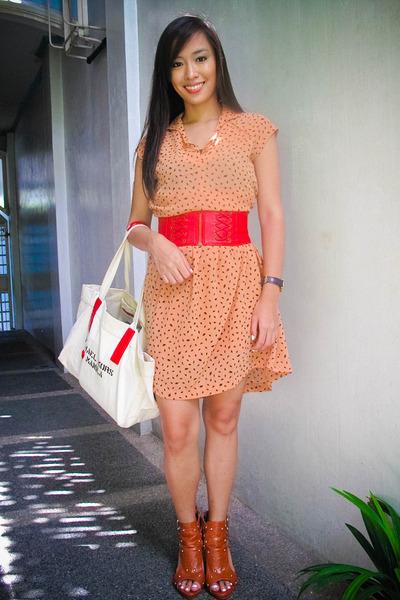 red corset like department store belt - orange heels bought online shoes