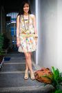 Beige-apartment-8-dress-beige-random-brand-belt-gold-random-brand-accessorie