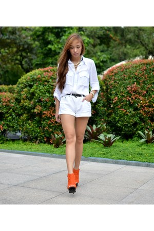 orange heels Parisian shoes