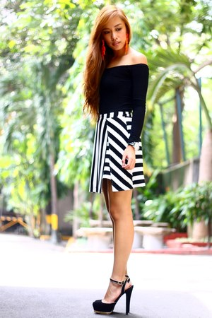 black striped pinkaholic skirt