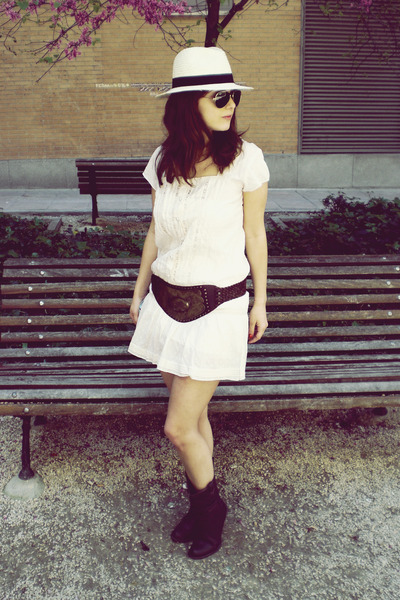 beige Venca dress - brown hazel belt - brown hazel boots - white H&M hat