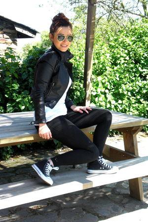 black H&M jacket - black Zara leggings - black Converse shoes - Ray Ban accessor