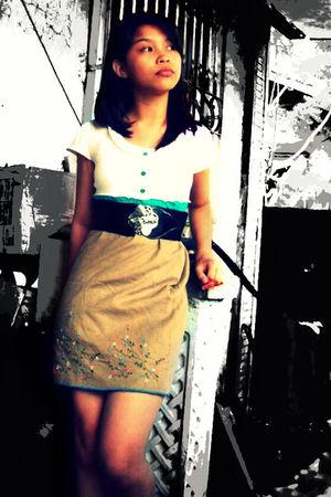 brown skirt - white top