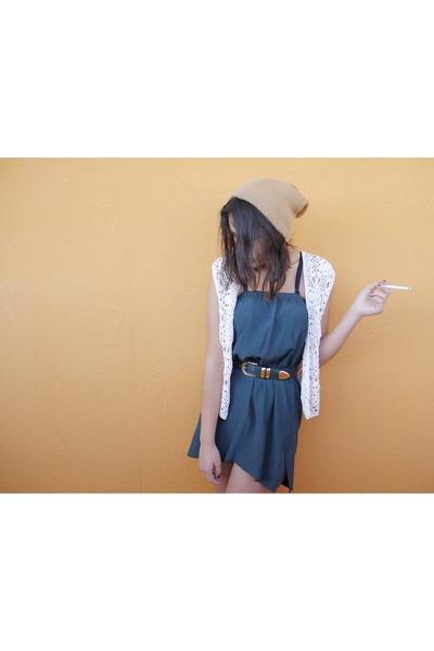 lace vintage vest - thrifted vintage skirt - gold Romwecom belt