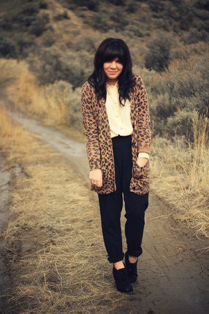 Forever 21 boots - portmans pants - vintage blouse - cotton on cardigan