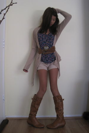 purple Forever 21 top - brown Forever 21 boots - beige alternative apparel cardi