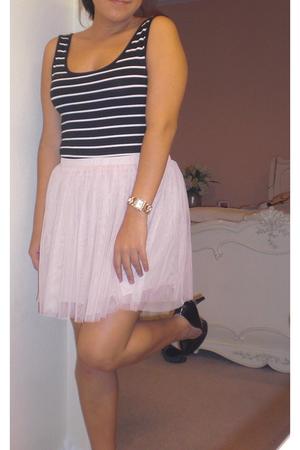 pink skirt - black