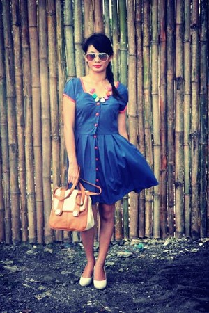blue TaGGed Iloilo dress - white TaGGed Iloilo bag