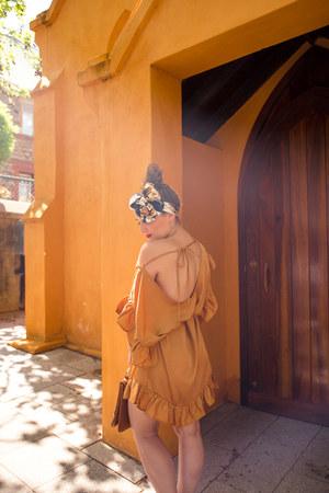 gold backless Saskia dress