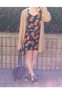 Camel-country-road-cardigan-black-pineapple-print-muui-dress