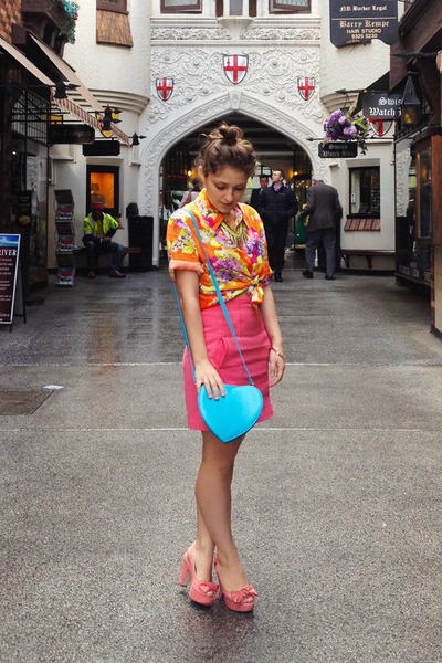 blue Fashion Addict bag - hot pink neoprene pencil Topshop skirt