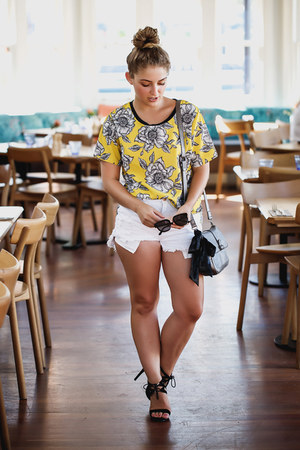 yellow floral vintage t-shirt - white distressed Refuge Denim shorts