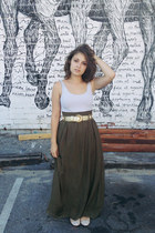 olive green maxi skirt - white top - gold jewelled belt