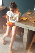 ivory laksa print tee Nom Nom t-shirt - carrot orange shorts