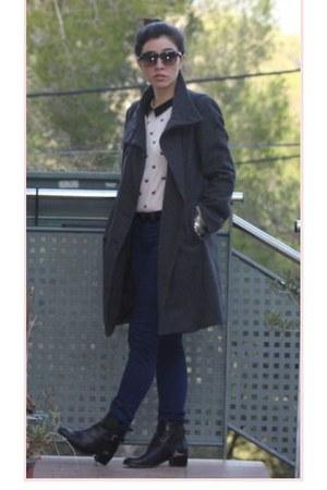 Stradivarius boots - Zara coat - Bershka blouse