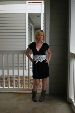 Forever21 dress - DIY belt - vintage boots