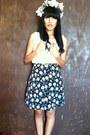 Floral-print-skirt-blouse-birds-ring