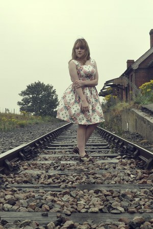 50s new look dress - brogues Primark flats