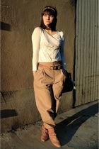 beige Zara pants - white Comptoir des Cotonniers t-shirt - Zara Trf shoes - gold