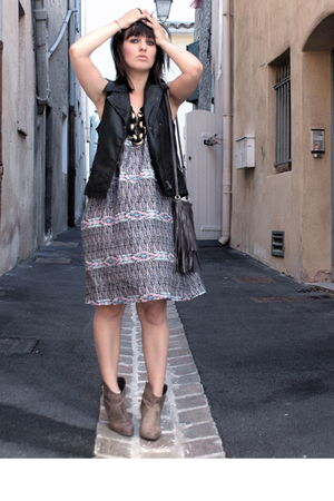 gray H&M dress - brown Pimkie boots - gray H&M accessories