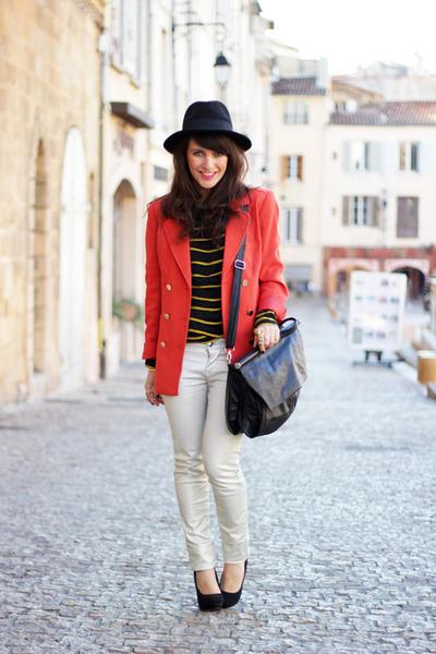 red H&M jacket - black Stradivarius heels - black Stradivarius accessories