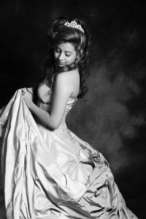tiara Camille accessories