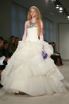 white tulle skirt vera wang dress