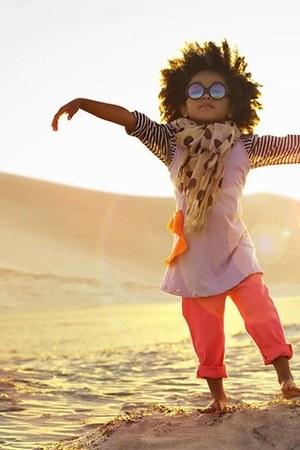 beige scarf - bubble gum top - carrot orange pants