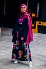Navy-oversized-mango-blazer-navy-floral-print-adidas-skirt