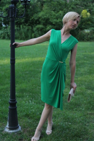 nude Report sandals - green wrap Michael Kors dress - Aldo bag