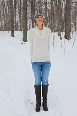 JCrew sweater - skinny Guess jeans - gray striped JCrew hat