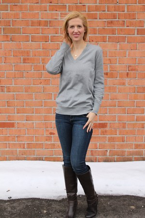shimmer v-neck Gap sweater - brown riding Natural Soul by Naturalizer boots