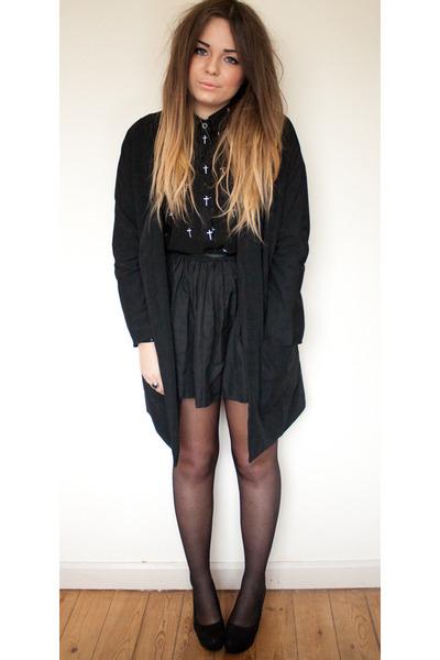 black longline Boohoo coat - black cross zalando shirt