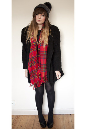 ruby red tartan River Island scarf - silver new look new look dress