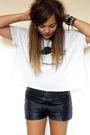 Black-primark-shorts-white-shirt