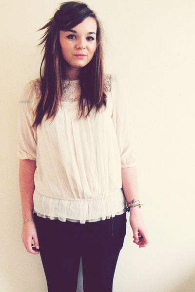 black H&M skirt - beige H&M shirt