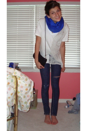 scarf - Hanes shirt - purse - forever 21 jeans