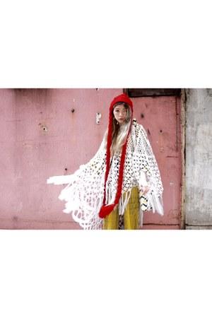 red long hat - ivory scarf - mustard Monki jumper