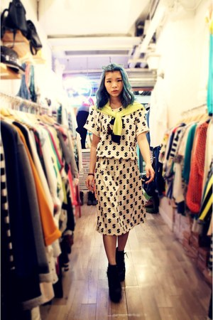 Jeffrey Campbell boots -  Tasty dress - lemon Tasty cardigan
