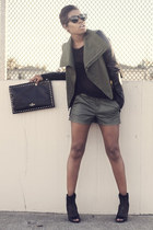 Veda jacket - rag & bone shorts - rayban sunglasses - rag & bone top