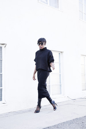Zara skirt - Aldo boots - Akira sweatshirt