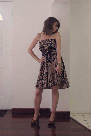beige vintage dress - brown abercrombie & fitch belt - brown thrifted shoes - go