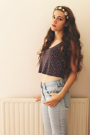 crop new look top - next jeans - Claires hair accessory