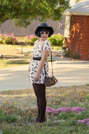 beige sparrow H&M dress - gray wool Deena & Ozzy hat