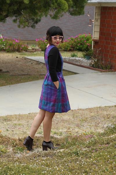 purple plaid thrifted vintage jumper - black scoop neck American Apparel top - d
