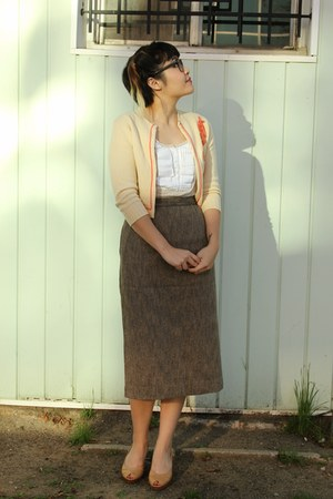 brown tweed vintage skirt - neutral embroidered vintage cardigan