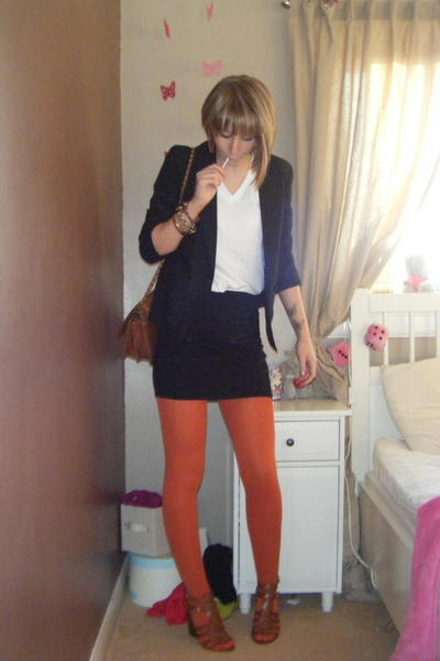 vintage blazer - Topshop skirt - American Apparel t-shirt - Nine West shoes