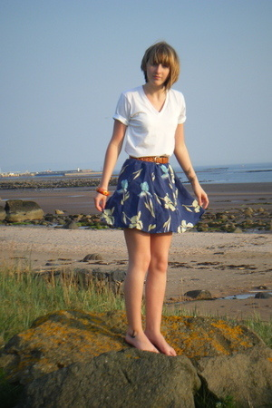 American Apparel t-shirt - I made it skirt