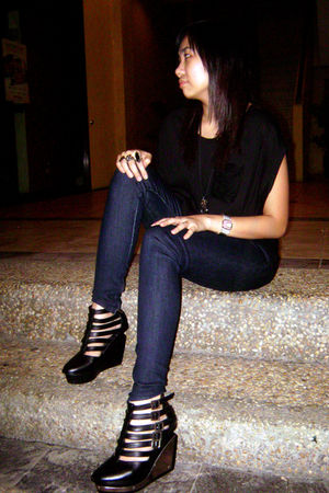 Forever 21 lace top - Forever 21 jeans leggings - Soule Phenomenon shoes - rando