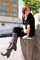 Marc Jacobs boots - H&M tights - GINA TRICOT dress